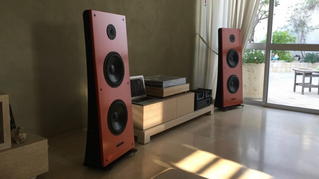 trio10-timeless-open-baffle-speakers-by-pureaudioproject-16-9-1030x579-1
